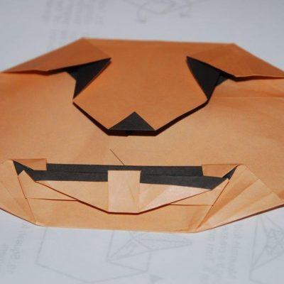 Citrouille origami orange et noire