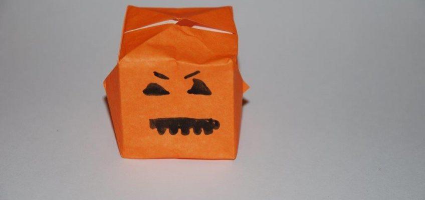 Décorations de Halloween  en papier et perles à repasser