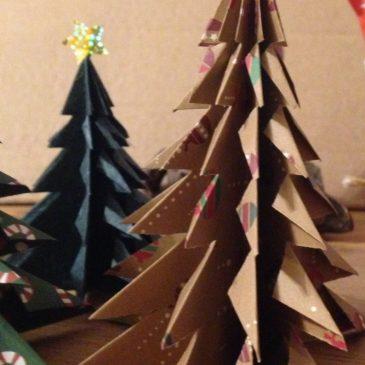 Décoration de table de Noël: tuto sapin origami