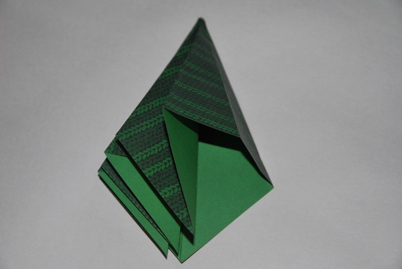 D coration de table de no l tuto sapin origami for Decoration de noel origami