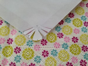 etape 1 pliage lapin papier enveloppe