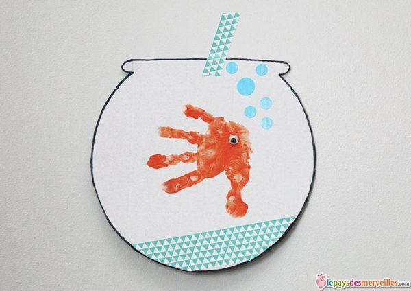 poisson-dans-son-bocal-empreinte-de-main