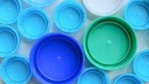 bouchons bleus pour bricolages recyclage