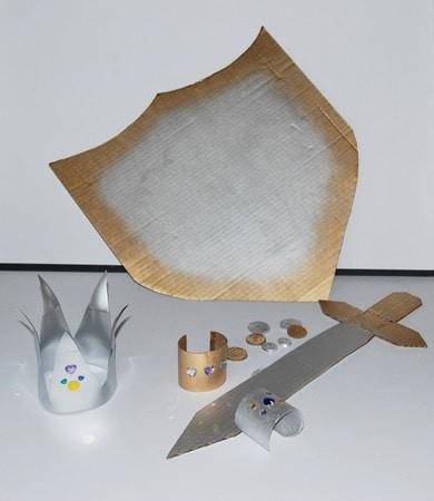 Recup & DIY: accessoires pour princesses et chevaliers