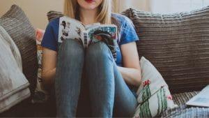 jeune ado lisant manga