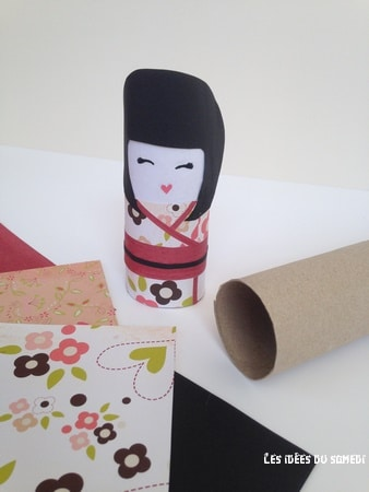 projet diy fabriquer une kokeshi en rouleau de papier toilette. Black Bedroom Furniture Sets. Home Design Ideas