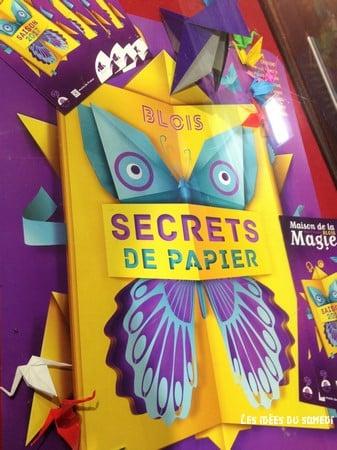 affiche exposition secrets de papier blois