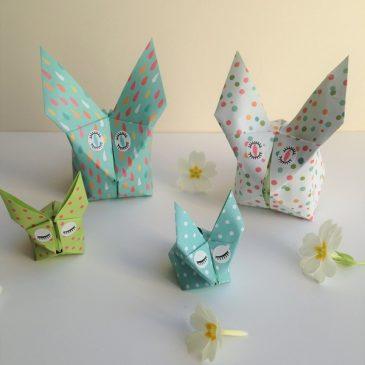 Modèle de lapin en origami, à utiliser comme déco de Pâques