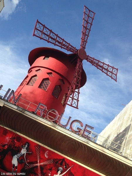 moulin rouge paris ciel bleu