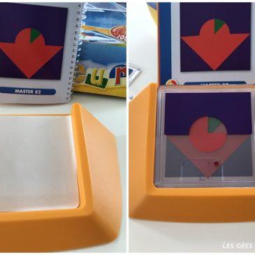 Un jeu de réflexion solitaire: code couleur de Smartgames