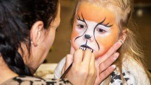 enfant lion stand maquillage kermesse