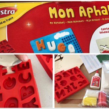 Jouer avec l'alphabet en moulage de plâtre avec Joustra