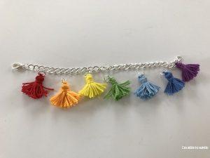 bracelet pompons longs