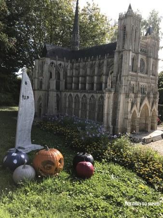 visite france miniature halloween