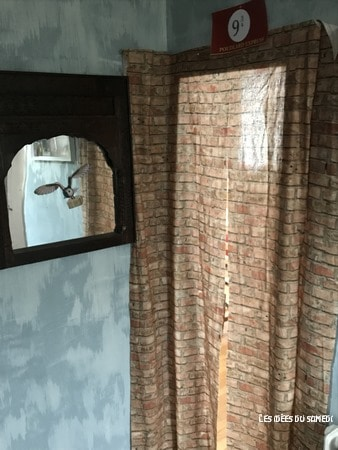 installer rideau mur briquer quai poudlard