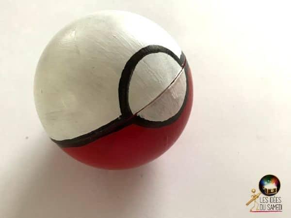 fabriquer pokeball rouge noire