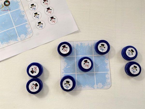 jeu de morpion bonhomme de neige en bouchons